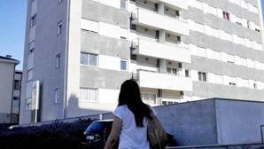 Mãe ameaça atirar bebé do 7.º andar