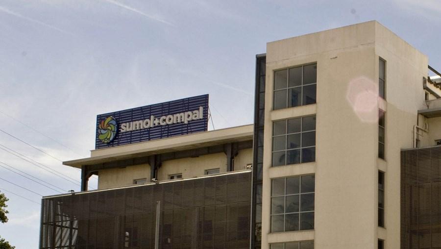 Três assaltantes roubaram dinheiro e cheques na tesouraria da Sumol-Compal, em Carnaxide
