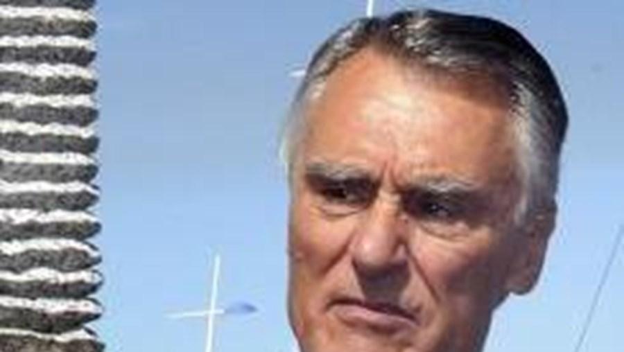 """Cavaco quer que portugueses """"ponham de lado as divisões"""""""