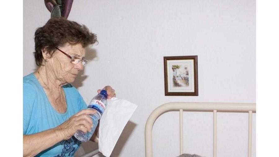 Diamantina queria que o seu marido, acamado, estivesse numa unidade de saúde com fisioterapia