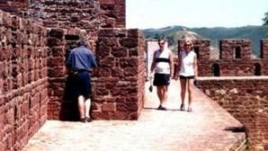Levam oito mil euros do castelo de Silves