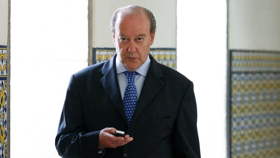 São audíveis as vozes de António Araújo, o empresário com ligações ao FC Porto; Pinto de Sousa e Pinto da Costa