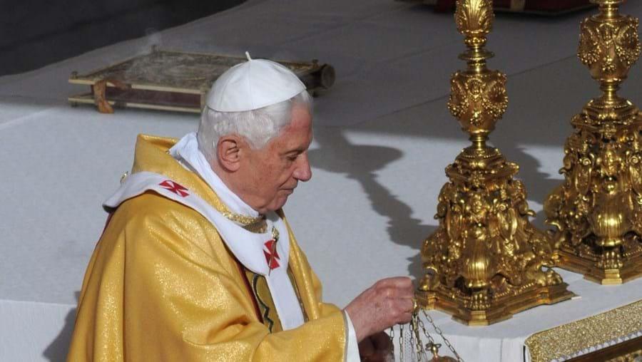 Bento XVI proclamou seis novos santos perante uma multidão de 80 mil pessoas