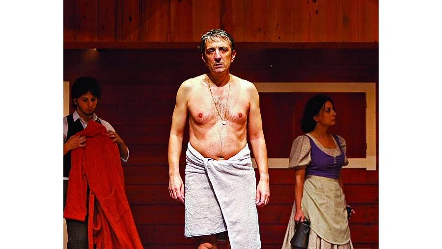 Miguel Guilherme é o protagonista desta peça em que Brecht expõe a alma humana nas suas contradicções