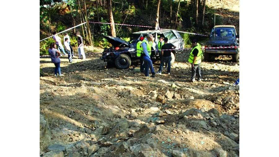 O Range Rover em que seguia Filipe Ferreira e o pai capotou três vezes na 'Rampa do Carro Velho'