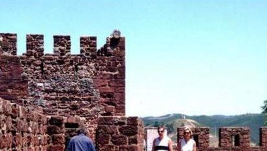 Segundo a presidente da Câmara de Silves, Isabel Soares, os assaltantes terão conseguido abrir a porta sem recurso a arrombamento