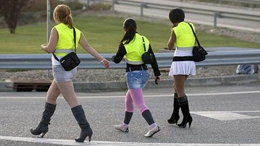 Algumas prostitutas evitam receber multas de trânsito