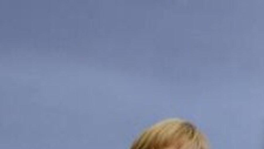 Angela Merkel, perseguição