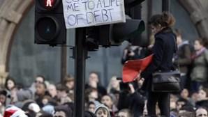 Reino Unido: Estudantes contra aumento das propinas