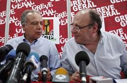 Carvalho da Silva e João Proença agradeceram aos trabalhadores e falaram de uma adesão acima dos três milhões de pessoas