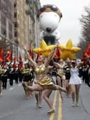 Bailarinas anunciam chegada de Snoopy, outro veterano da banda desenhada norte-americana