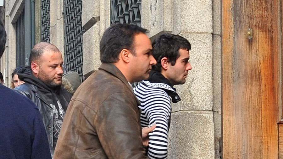 Os cinco detidos vão aguardar julgamento em prisão preventiva