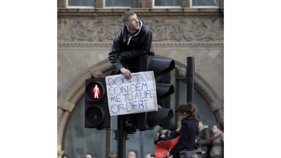 Estudantes percorreram as principais ruas da cidade de Londres