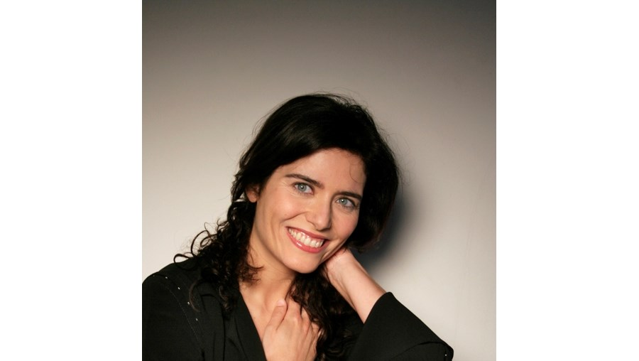 Anabela Teixeira é protagonista do monólogo 'Antes do Pequeno Almoço', que Joaquim Benite está a apresentar em Almada até 19 de Dezembro