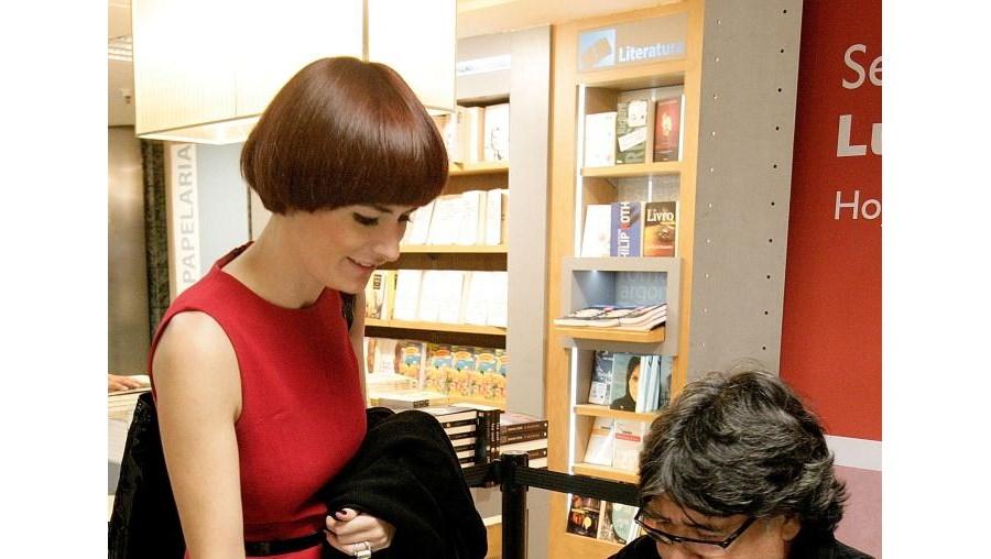 Marta Rebelo foi pedir um autógrafo a Luís Sepúlveda