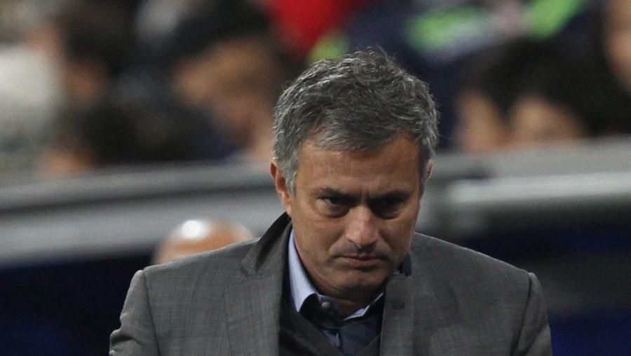 Sérgio Ramos e Xabi Alonso terão recebido instruções de Mourinho para ser expulsos