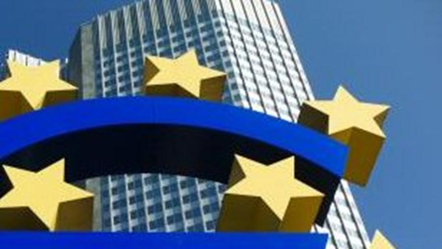 O Banco Central Europeu comprou obrigações  portuguesas e irlandesas