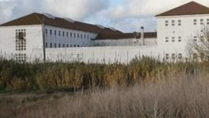 Preso tenta fugir da cadeia com recurso a lençóis