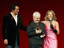 A Gala dos Travestis era uma das iniciativas em que se empenhava. Em 2005 juntou os actores Rogério Samora e Alexandra Lencastre no palco do Teatro São Luiz