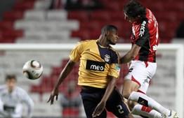 Brasileiro Airton voltou a dar bons sinais no meio-campo do Benfica