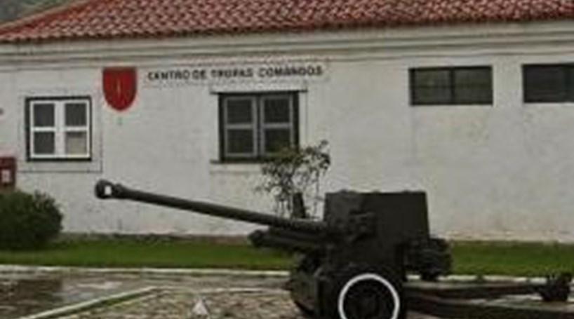 Armas roubadas  Militares já saíram do quartel - Portugal - Correio ... 1fe01c2de2a