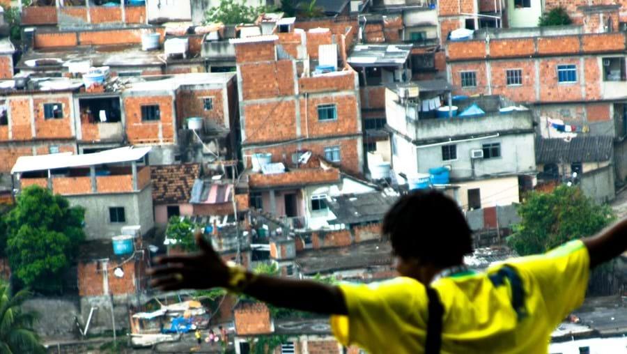 Mário Patrocínio passou longos períodos na favela para fazer este filme