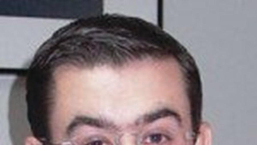 O contabilista Rui Trovão está indiciado por 50 crimes de burla qualificada, peculato e falsificação de documentos