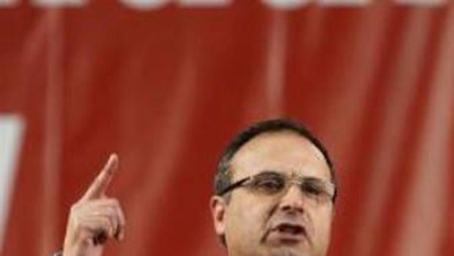 Francisco Lopes defeneque que é preciso aumentar a produção nacional