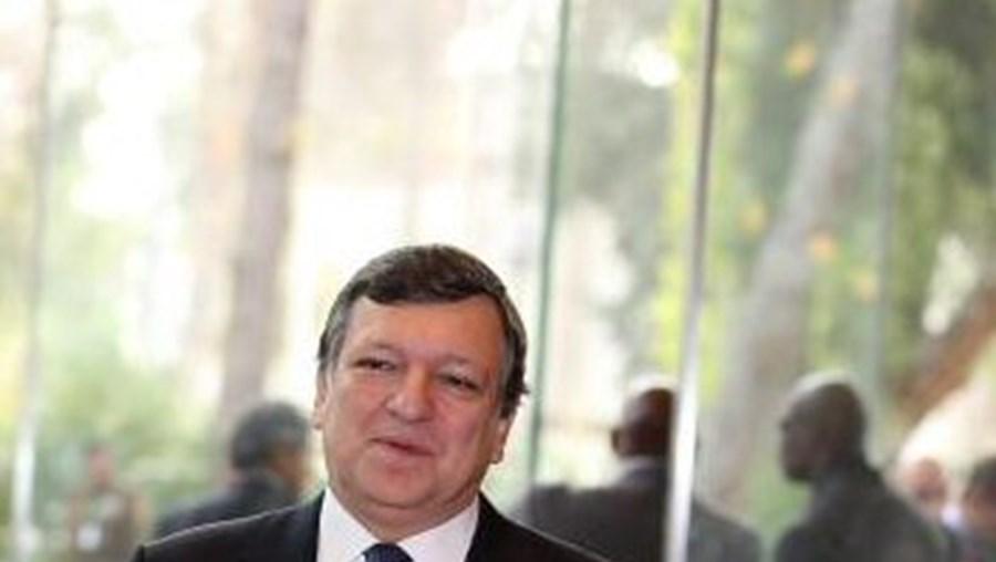 Durão Barroso defende aumento dos recursos financeiros do Fundo de Resgate