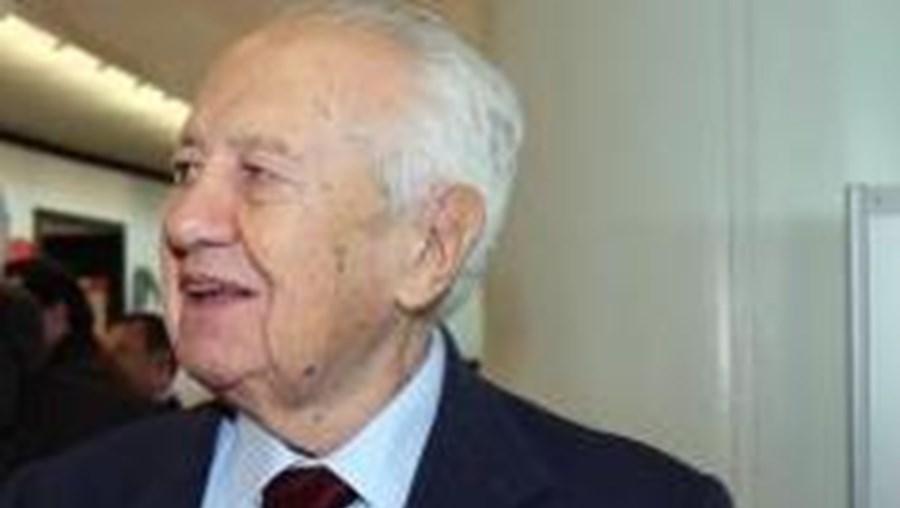 Mário Soares discursou na abertura do ciclo de Altos Estudos Europeus em Paris