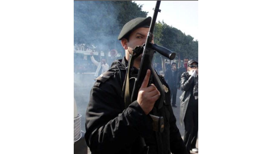 Motins no país do Norte de África afastam portugueses