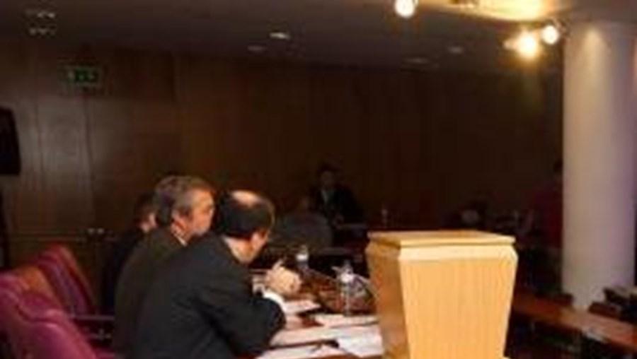 A Liga Portuguesa de Futebol Profissional (LPFP) convocou uma Assembleia Geral Extraordinária da FPF para 29 de Janeiro, no sentido de votar e aprovar a alteração dos estatutos antes das eleições de 5 de Fevereiro