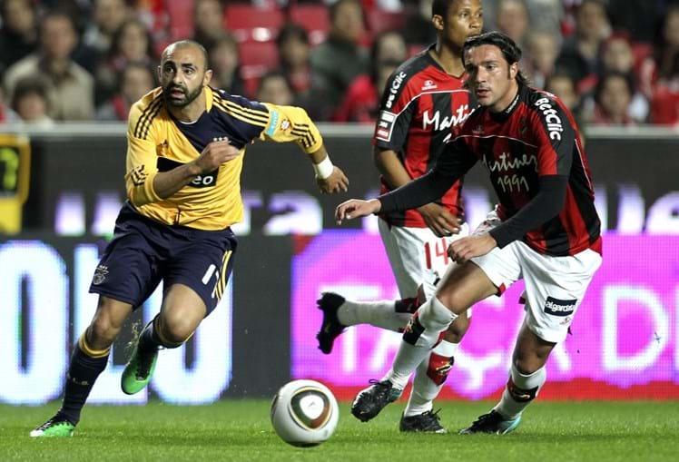 Carlos Martins só jogou na primeira parte, cedendo o seu lugar a Aimar, mas deu muito trabalho aos visitantes
