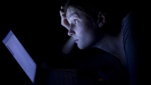 Como combater o 'cyberbullying' ou 'sextorsion'? Especialista dá conselhos às famílias
