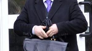 Pastor acusado de traficar urânio culpa testemunha