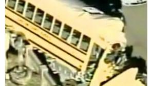 Autocarro invade escola e fere 15 no Rio de Janeiro