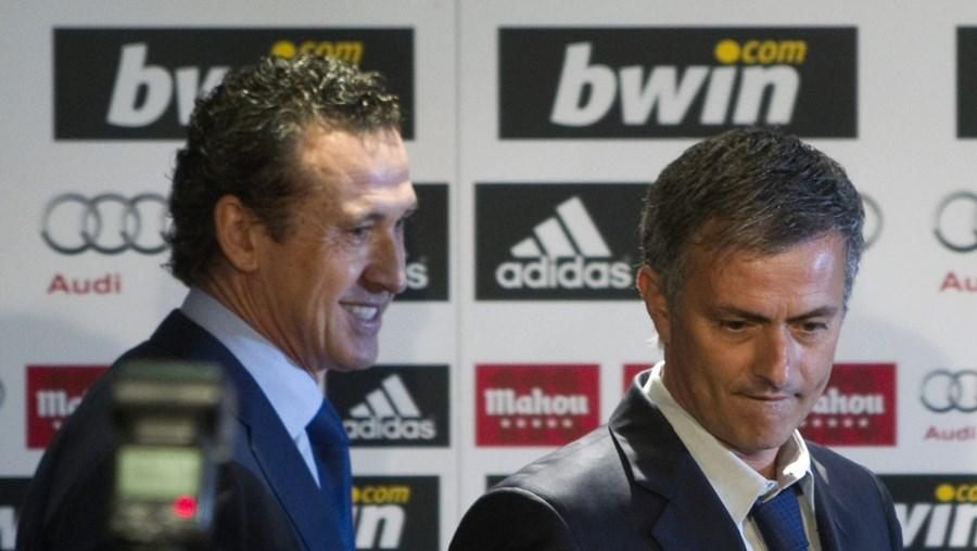 Jorge Valdano e José Mourinho juntos na luta contra o Barça
