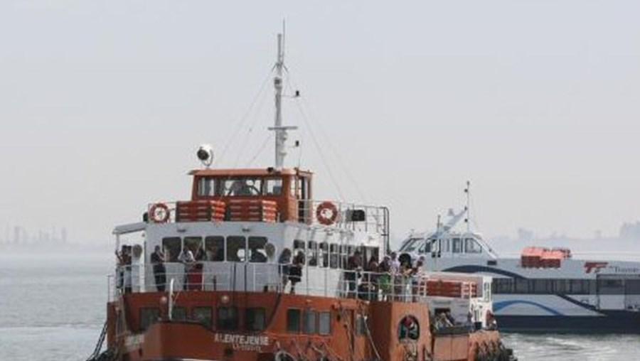 Circulação dos barcos começa a ser reestabelecida
