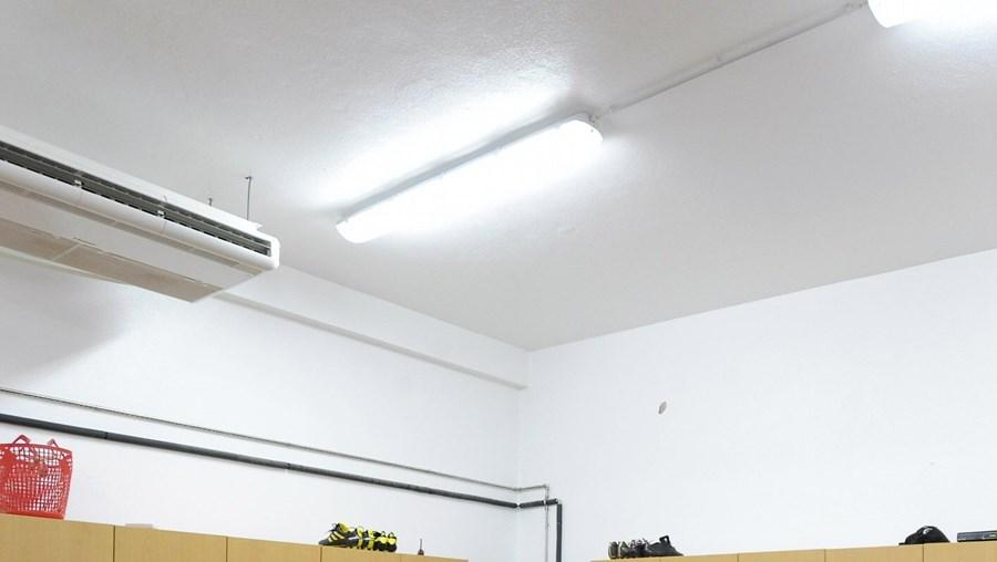 Assaltante entrou no balneário do Olhanense, enquanto os jogadores treinavam no relvado
