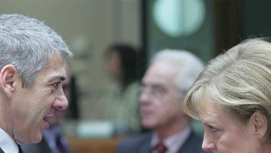 O primeiro-ministro e a chanceler alemã encontram-se a 2 de Março