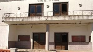 Pias quer ver Cine-Teatro a funcionar