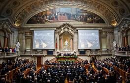 A casa da democracia portuguesa volta a acolher a cerimónia de tomada de posse do Presidente da República.