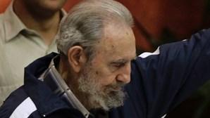 Fidel surpreende delegados