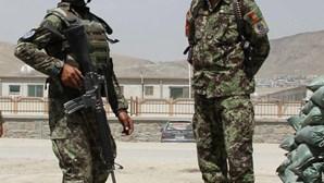 Militar afegão mata americanos