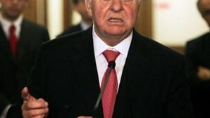 PSD ameaça falar com 'troika'