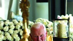 Os portugueses que olharam pelo Papa João Paulo II