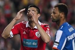 Cardozo ainda reduziu na cobrança de uma grande penalidade mas o Benfica não conseguiu ir mais longe