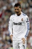 Cristiano Ronaldo rematou muitas vezes mas encontrou sempre um obstáculo no caminho da baliza