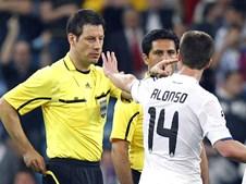 Depois do apito final Xabi Alonso demonstrou o descontentamento da equipa da casa com o árbitro