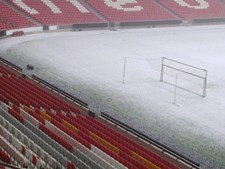 Defender qualquer uma das balizas do Estádio da Luz teria sido uma tarefa difícil na tarde desta sexta-feira